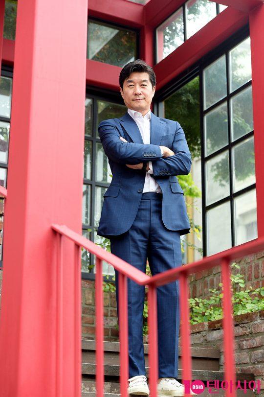 영화 '나쁜 녀석들: 더 무비'에서 범죄자로 팀을 꾸려 악질 범죄자를 잡는 형사 오구탁 역으로 열연한 배우 김상중. /서예진 기자 yejin@