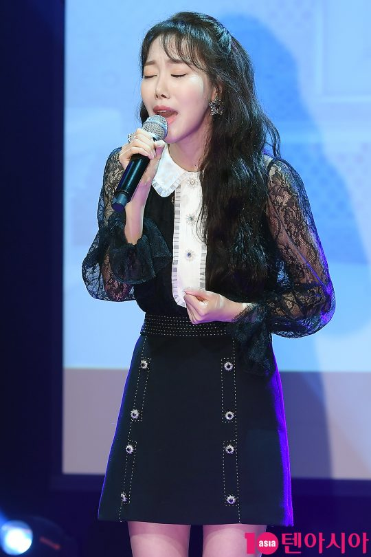 그룹 멜로디데이 출신 가수 여은이 6일 오후 서울 청담동 일지아트홀에서 솔로 싱글 '싸운 날' 발매 기념 쇼케이스를 열고 신곡 무대를 처음으로 공개했다. / 이승현 기자 lsh87@