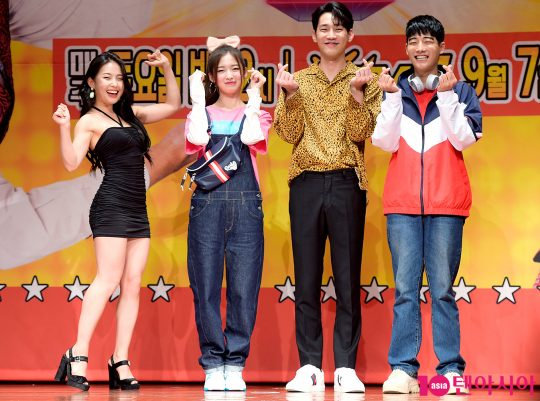 배우 김은정(왼쪽부터), 오마이걸 아린, 배우 강윤, 강율