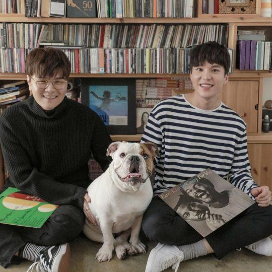 남성 듀오 포맨의 신용재(왼쪽), 김원주. /사진제공=HNS HQ