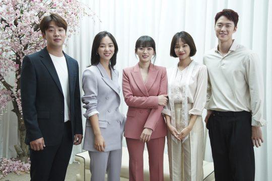 JTBC '멜로가 체질'에 출연하는 배우 안재홍(왼쪽부터), 전여빈, 천우희, 한지은, 공명. / 제공=JTBC