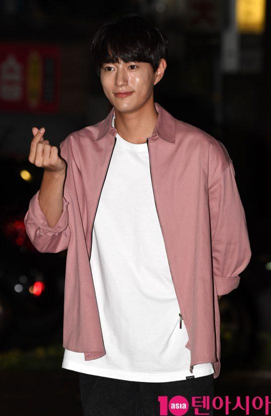 배우 오현중이 7일 오후 서울 여의도 한 음식점에서 열린 SBS 금토드라마 '의사 요한' 종방연에 참석하고 있다.