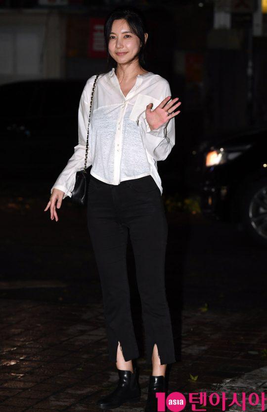 배우 오승현이 7일 오후 서울 여의도 한 음식점에서 열린 SBS 금토드라마 '의사 요한' 종방연에 참석하고 있다.