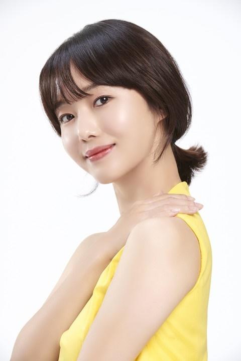 가수 겸 배우 이정현. / 제공=벨라도르