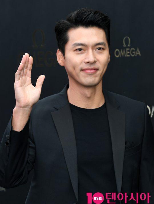 배우 현빈이 9일 오후 서울 삼성동 코엑스 아티움에서 열린 오메가, '스피드마스터' 아폴로 11 달 착륙 50주년 기념행사에 참석하고 있다.