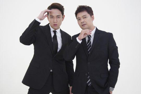 '막 나가는 뉴스쇼'의 장성규(왼쪽), 전현무./사진제공=JTBC
