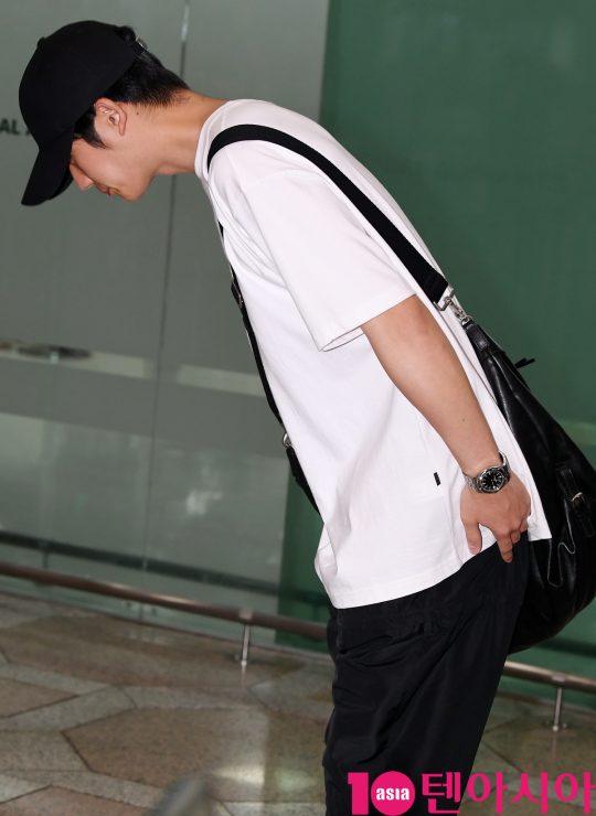 배우 정해인이 12일 오후 Jung Haein 2019 Official Fan Meeting in Japan 참석차 김포국제공항을 통해 일본으로 출국하고 있다.