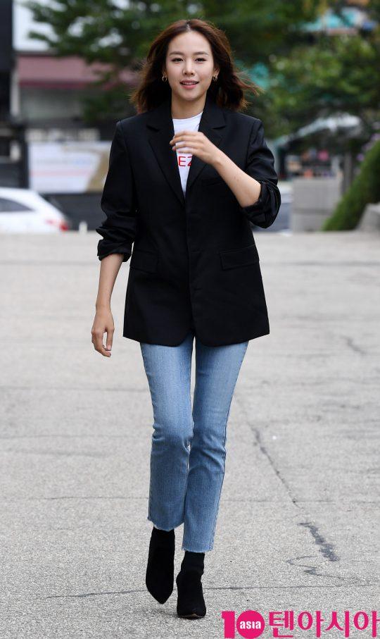 배우 조윤희가 14일 오후 서울 여의도동 KBS별관에서 열린 KBS2 '해피투게더' 녹화에 참석했다.