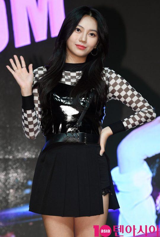 걸그룹 ANS(에이앤에스)(달린, 비안, 담이, 로연, 리나, 라온) 리나가 17일 오후 서울 강남구 청담동 일지아트홀에서 열린 데뷔 앨범 'BOOM BOOM' 쇼케이스에 참석하고 있다.
