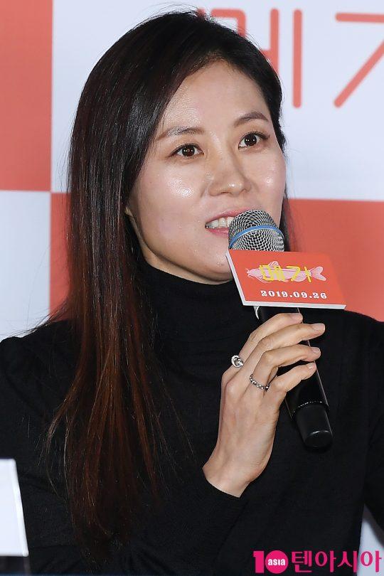 배우 문소리가 17일 오후 서울 한강로 CGV용산아이파크몰에서 열린 영화 '메기' 언론시사회에 참석했다. /이승현 기자 lsh87@