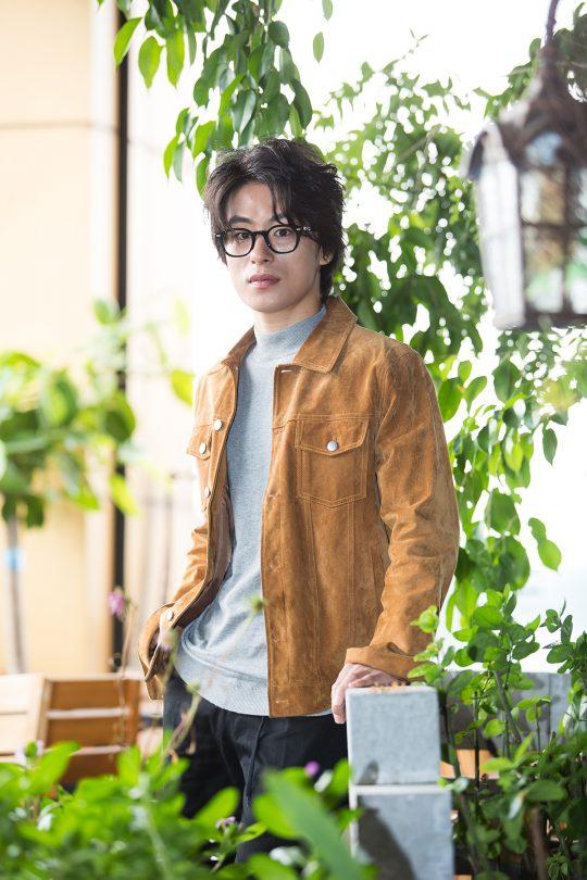 영화 '메기'에서 임시직 근로자 성원 역을 맡은 배우 구교환. /사진제공=엣나잇필름