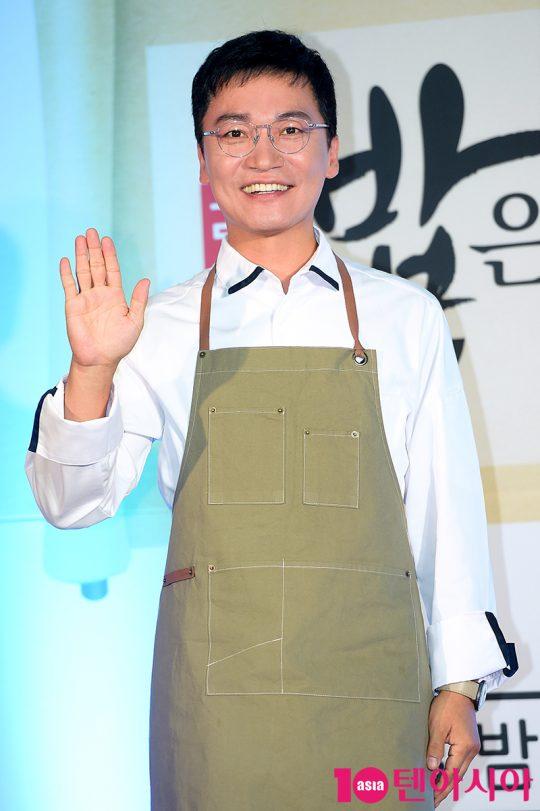 조재윤은 따뜻한 마음을 보여주고 싶어 예능프로그램에 출연했다고 말했다. /서예진 기자 yejin@