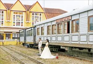 베트남에서 가장 오래된 기차역인 달랏 기차역