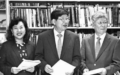 """""""한국, 이대로 가다간…"""" 전문가들 잇단 경고"""