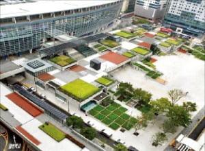 청년 창업·문화 공간으로 변신한 부산역 광장