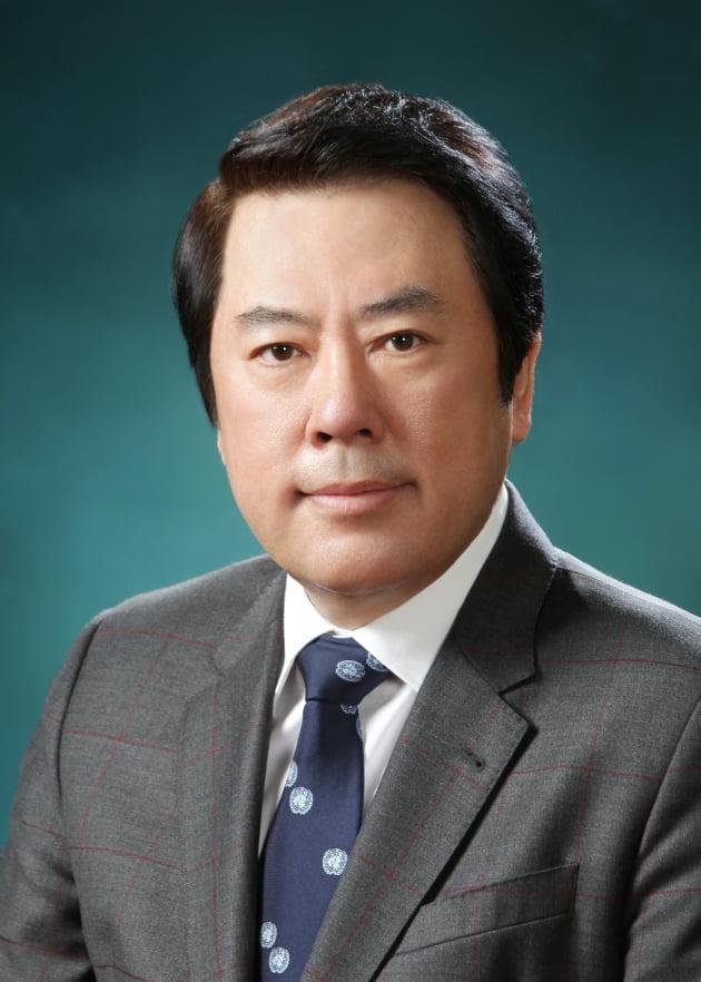 """박준희 아이넷방송 회장 """"장애인돕기 걷기 대회 등 후원"""