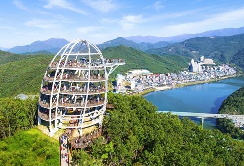 매미나방·미세먼지 딛고…단양 1∼8월 관광객 708만명