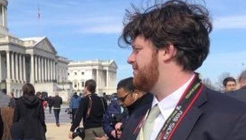 트럼프 스캔들 연루 국무부 특별대표 사임은 대학생 기자의 특종