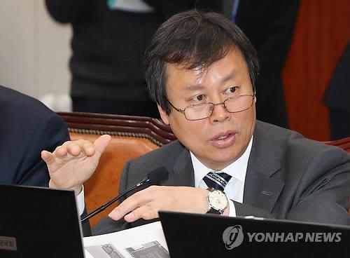 """도종환 """"병영도서관, 장서·인력 기준 미달 심각"""""""