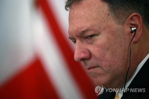 """우크라 불똥 튈라…폼페이오 """"국무부 조치 적절했다"""" 선긋기"""