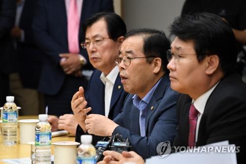 """한국당 """"다음 뉴스서 댓글조작 정황 발견""""(종합)"""