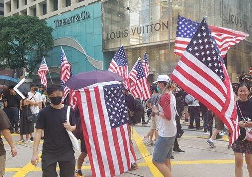 中, 국경절前 홍콩 사태 끝내자…'회유와 압박' 총력전