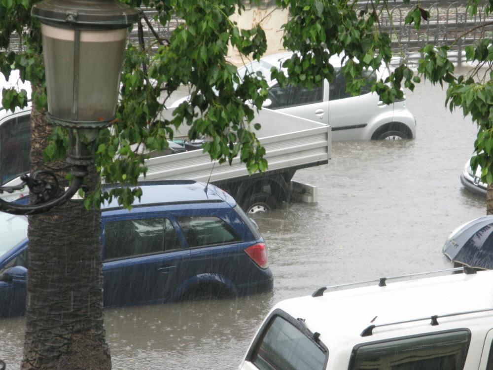 태풍 '링링' 강타, 침수차 피해 보상은 어떻게?