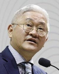 사진=서경배 아모레퍼시픽그룹 회장(사진=아모레퍼시픽그룹 제공)