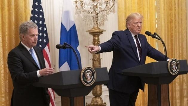 핀란드 대통령과 정상회담 후 공동 기자회견에서 발언하는 도널드 트럼프 미국 대통령(오른쪽) [EPA=연합뉴스]