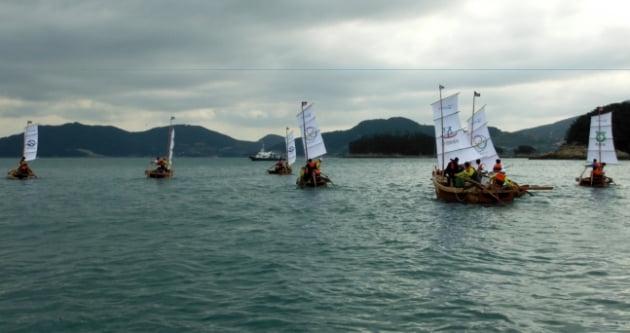 지난해 열린 욕지섬문화축제 전마선 경주대회/사진=통영시
