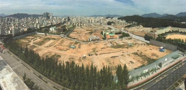 내년 2월 일반분양을 예정하고 있는 서울 둔촌동 둔촌주공아파트 철거 현장. 전체 155개 동 가운데 140개 동의 철거가 끝났다. 둔촌주공조합 제공