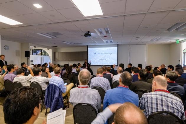 LG가 운영하는 벤처 캐피털인 LG테크놀로지벤처스는 미국 MIT와 10일(현지시간) 실리콘밸리에서 'MIT 스타트업 쇼케이스'를 공동 개최했다. /LG 제공
