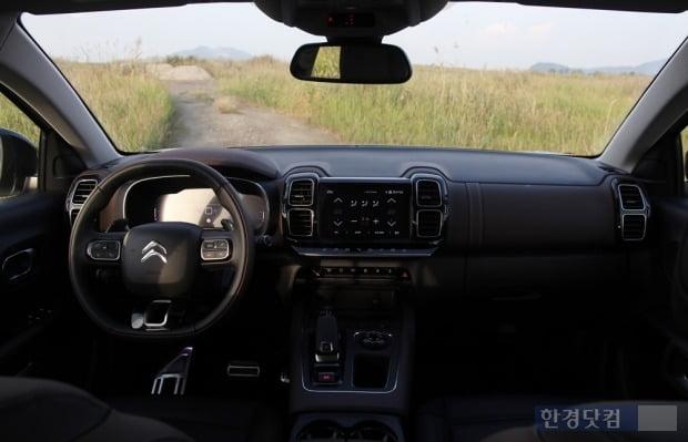 시트로엥 C5 에어크로스 SUV 내부 모습. 사진=오세성 한경닷컴 기자