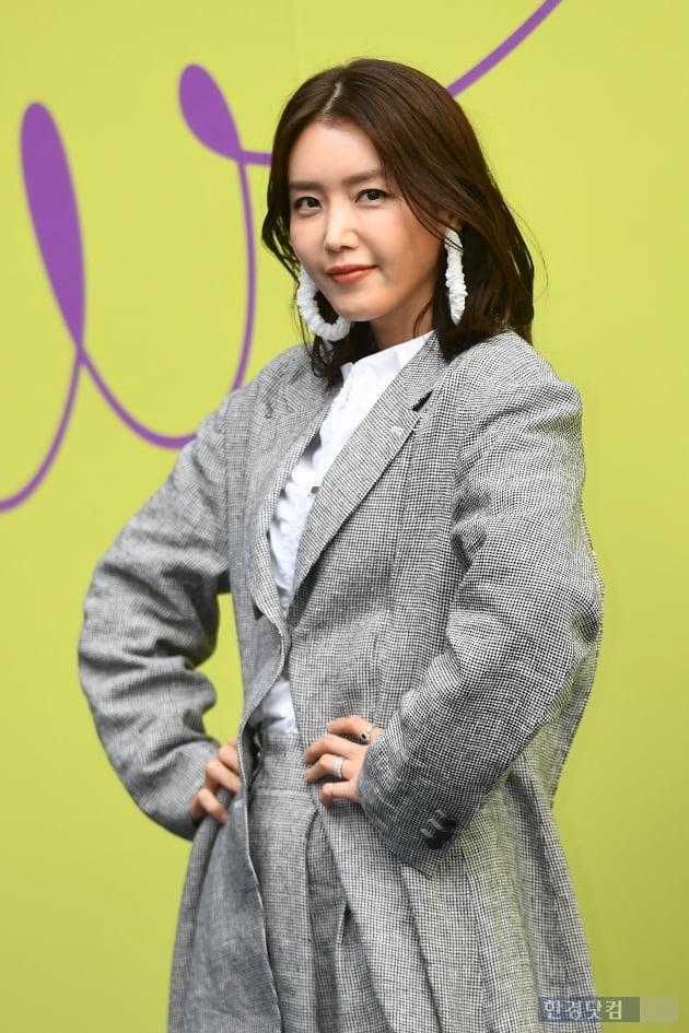 [포토] 채정안, '하이패션 포즈~'(2020 S/S 서울패션위크)