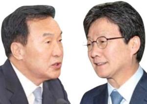 """손학규 """"유승민은 기회주의자""""…劉 """"12월께 행동""""…신당 시사"""