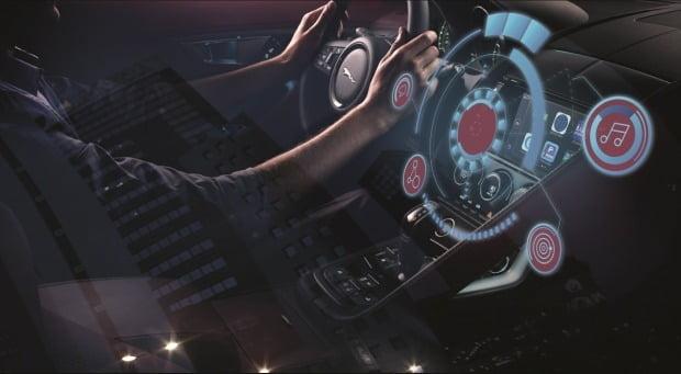 재규어랜드로버코리아가 기존 판매 차량을 대상으로 최신 인포테인먼트 업그레이드를 제공한다. 사진=재규어랜드로버코리아