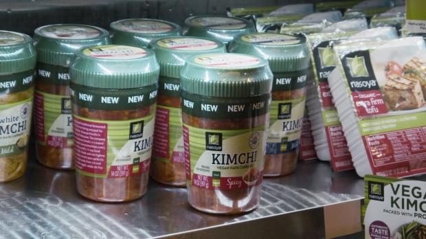 풀무원 김치가 미국 최대 유통매장인 월마트(Walmart)에 이어 제2유통인 크로거(Kroger) 등 총 1만 개 매장에서 판매되고 있다. (사진 = 풀무원)