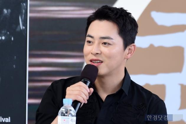 [포토] 조정석, '멋진 모습에 눈길~' (부산국제영화제)