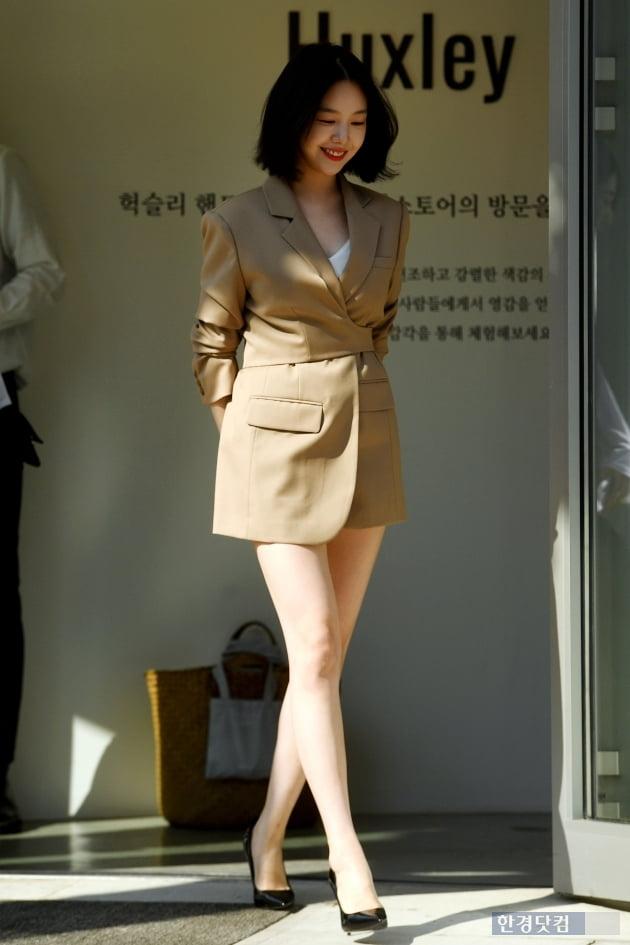 [포토] 민아, '각선미 강조하는 하의실종 패션'