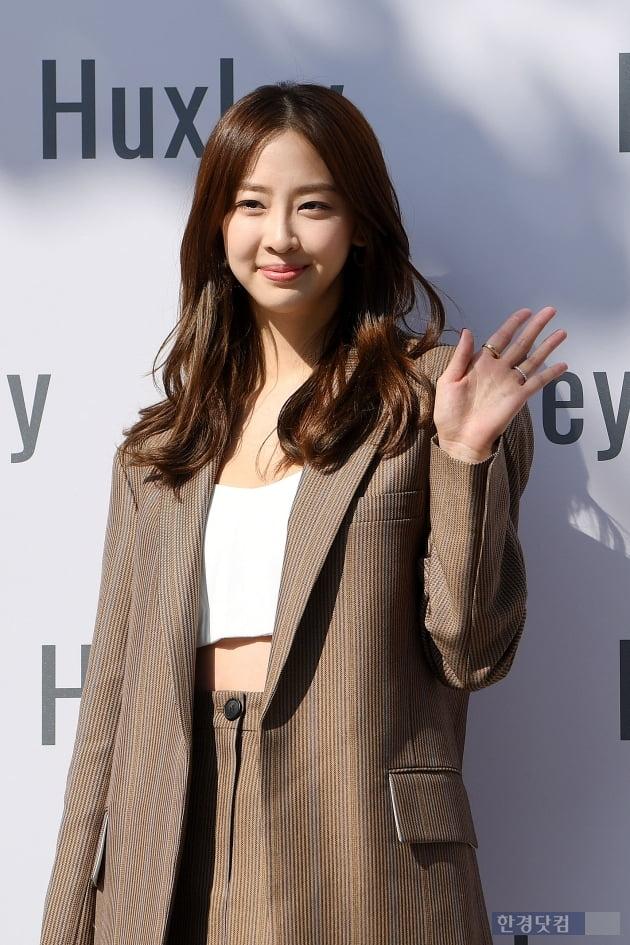 [포토] 김다솜, '삼청동 시선 사로잡는 아름다움~'