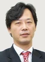 [김용준의 데스크 시각] 이상한 나라와 야만의 정치