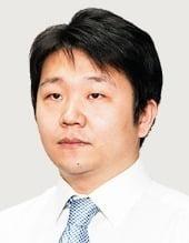 """[취재수첩] 중기와 협업 대기업에 """"갑질한다""""는 정치권"""