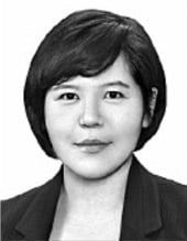 [취재수첩] '무관중' 남북 축구와 '백마' 탄 김정은
