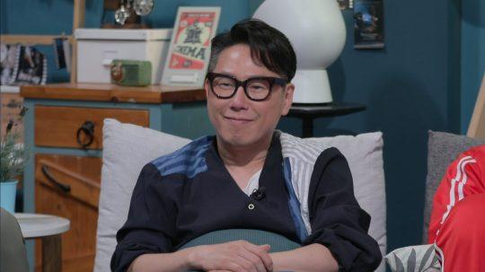 가수 겸 작곡가 윤종신. / 제공=JTBC '방구석1열'