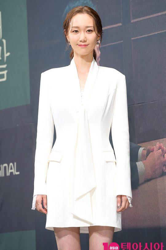 배우 이유영