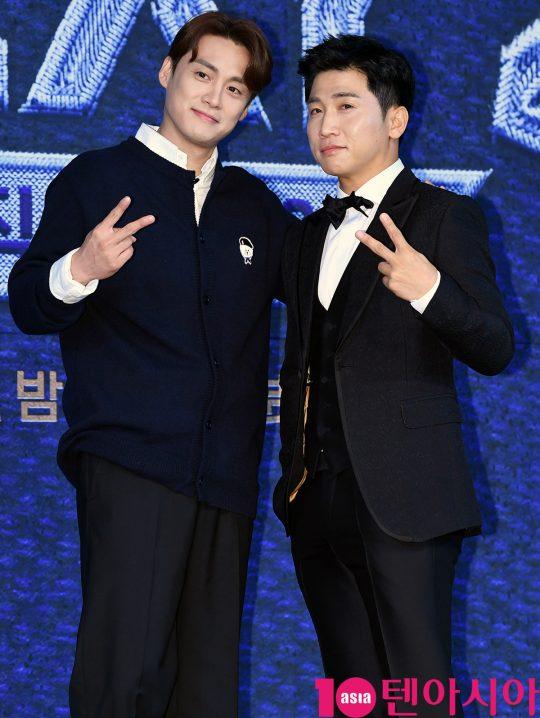 '보컬플레이2'에서 MC를 맡은 오상진(왼쪽)과 유세윤. /조준원 기자 wizard333@