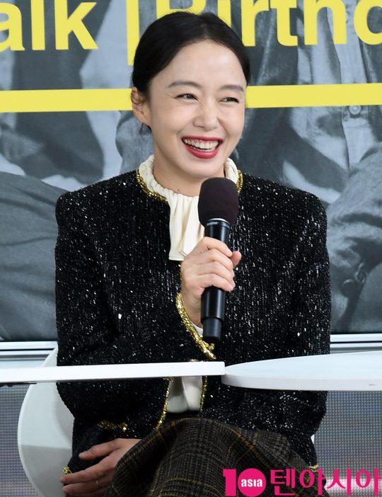 배우 전도연이 5일 오후 부산 해운대구 영화의 전당 야외무대에서 열린 영화 '생일' 오픈토크에 참석했다. /부산=조준원 기자 wizard333@