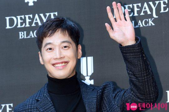 배우 김재원