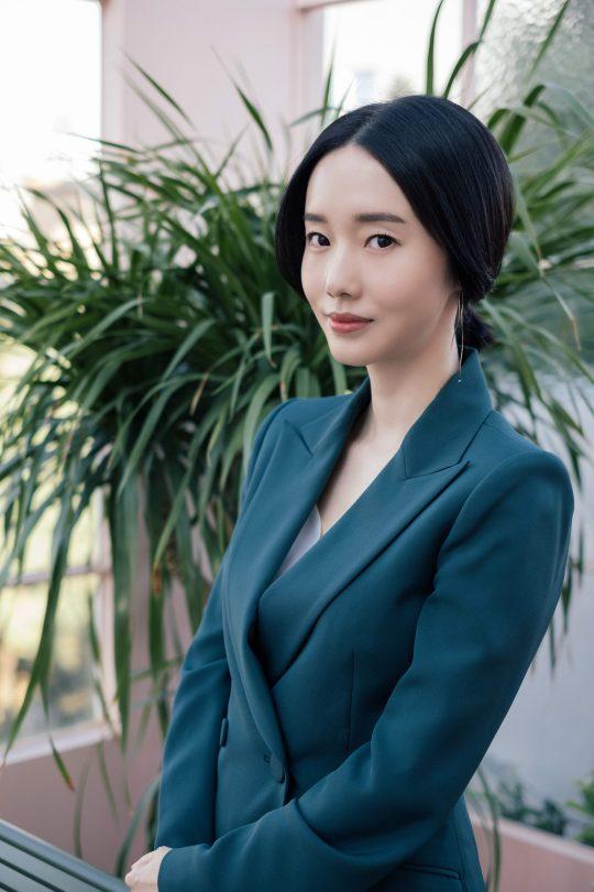 영화 '두번할까요'에서 N차원 와이프 선영을 연기한 배우 이정현. /사진제공=바나나컬쳐엔터테인먼트