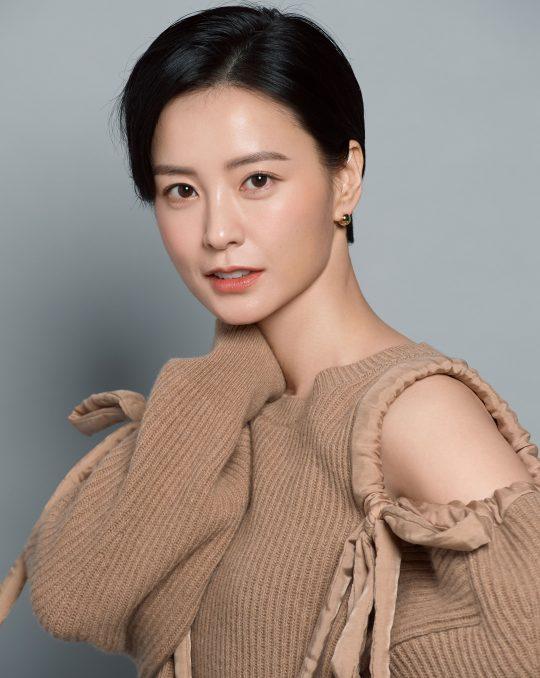 영화 '82년생 김지영'에서 누군가의 딸이자 아내, 동료이자 엄마인 지영을 연기한 배우 정유미. /사진제공=매니지먼트 숲